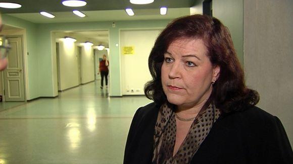 Sisäministeri Anne Holmlund (kok. )