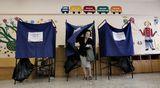 Äänestäjä Ateenassa, Kreikassa.
