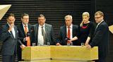 Musiikkitalolla EU-vaalien tulosiltana.