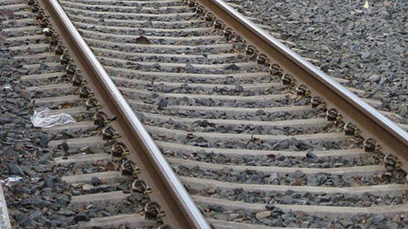 Lähikuva junaradasta.