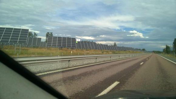 Aurinkopaneeleja Ruotsi Vesteråsissa