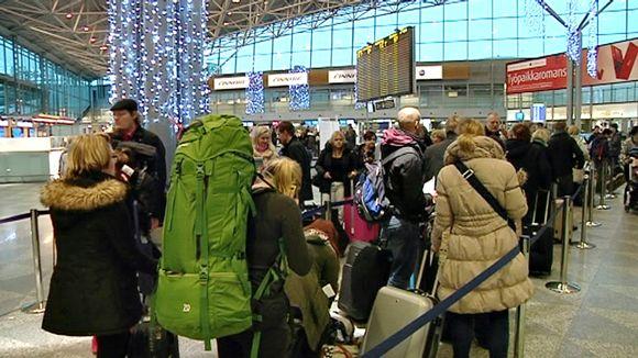 Ruuhkaa Helsinki-Vantaan lentokentällä.