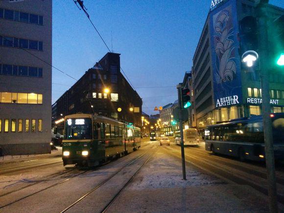 Raitiovaunuja 8.1.2015 aamulla Helsingissä.