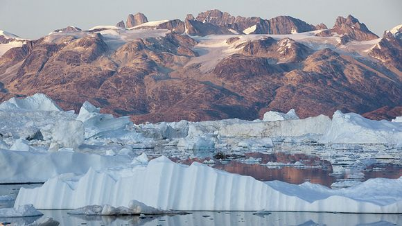 Video: Melting ice in Greenland.