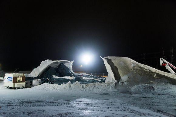 Romahtanut jääsilta Juuassa