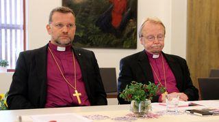 Kuopion hiippakunnan piispa Jari Jolkkonen ja arkkipiispa Kari Mäkinen piispainkokouksessa Joensuussa elokuussa 2016.