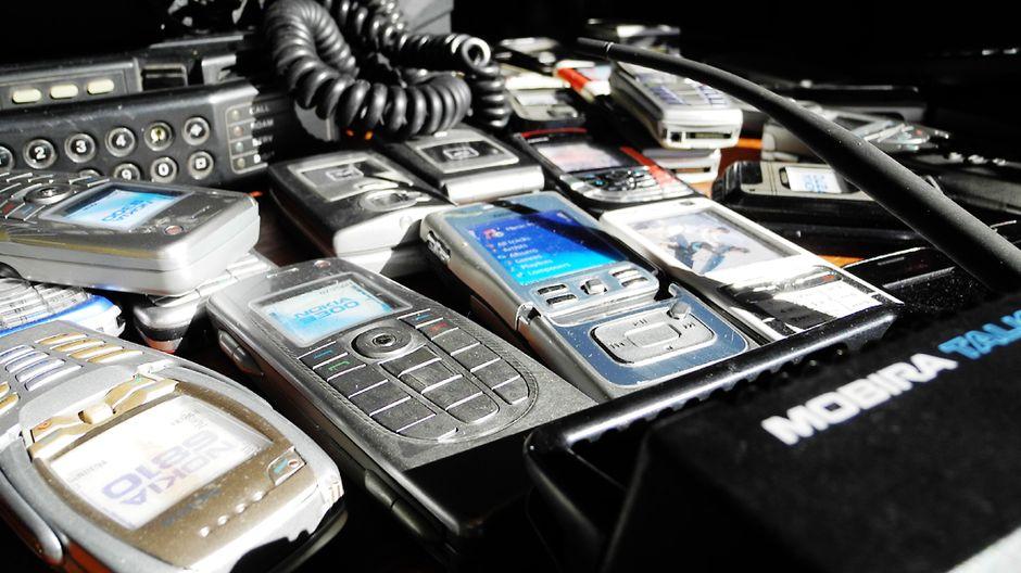 Vanhat Kännykät