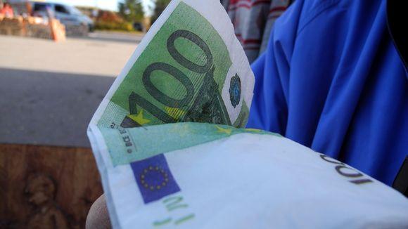 Sadan euron seteli.