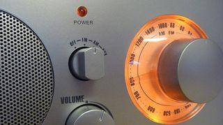 Аудио: Radio on päällä.