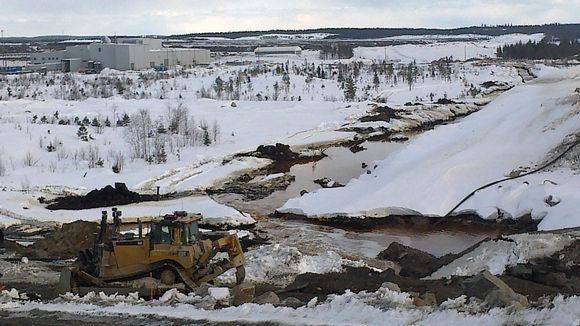 Talvivaaran kaivoksella tapahtui kipsisakka-altaan vuoto huhtikuussa.