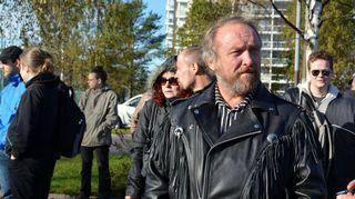 Perussuomalaisten kansanedustaja Hakkarainen Tornion Rajat kiinni -mielenosoituksessa