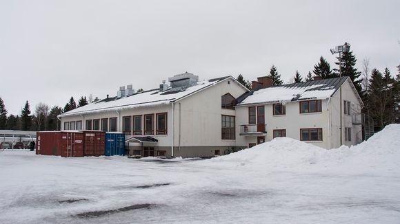 Halkokarin koulun vanha osa.
