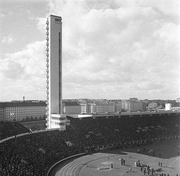 Urheilukilpailut Helsingin Olympiastadionilla vuonna 1938.