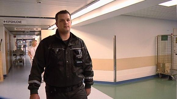 vartija hyvinkään sairaalan käytävällä
