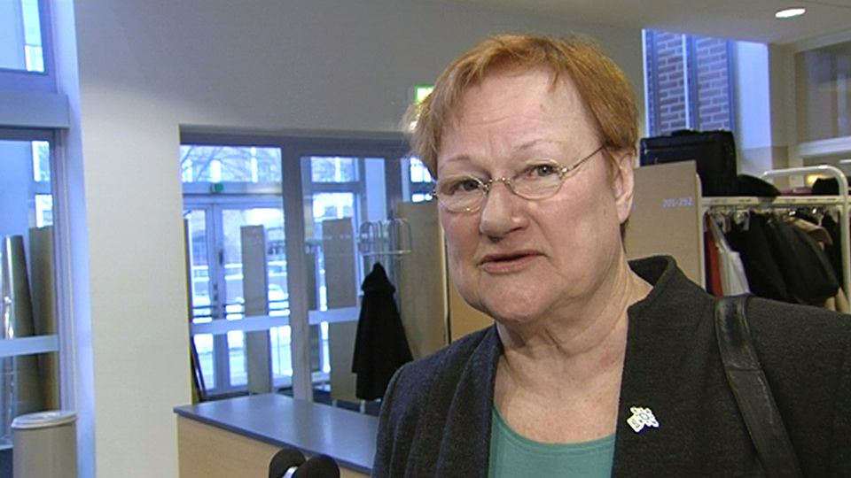 Lower presidential pay a surprise to Halonen | Yle Uutiset | yle.fi