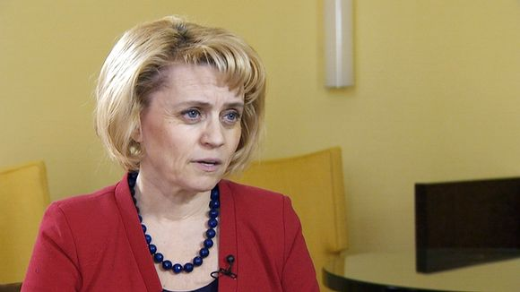 Fifty-five percent of Finns feel that Interior Minister Päivi Räsänen should not comment on religious matters. Image: Yle