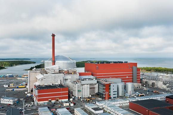 Teollisuuden Voiman rakenteilla oleva Olkiluoto 3 -ydinvoimala heinäkuussa 2013.