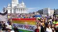 Kuvaa Helsinki Pride 2014 -tapahtumasta Helsingin tuomiokirkon edustalta lauantaina 28. kesäkuuta 2014.