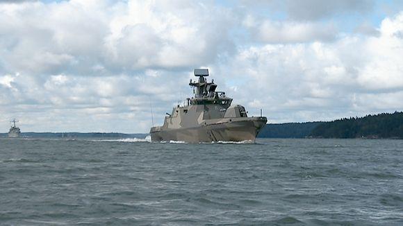 Merivoimien Hamina-luokan ohjusvene Tornio Turun saaristossa