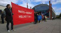 Video: Sotilasliitto Natoa vastustavia Mielenosoittajia Turun Varvintorilla 30.8.2014.