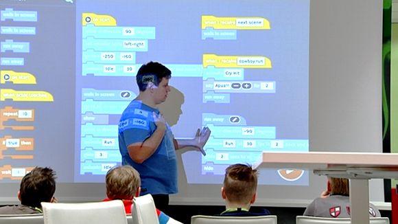 Tietoliikenneyhtiö Elisan järjestämä digikoulu alakouluikäisille.