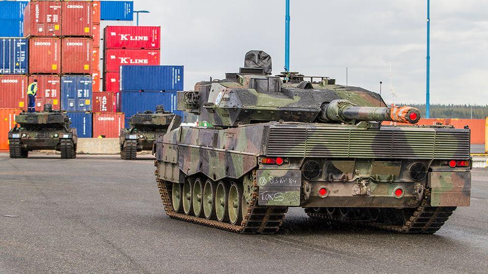 Leopard MBT 1/2 - Page 6 Leopard2A6_Vuosaari_Puolustusvoimat_Ville_Multanen_2