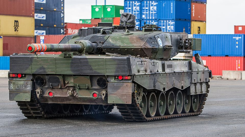 Leopard MBT 1/2 - Page 6 Leopard2A6_Vuosaari_Puolustusvoimat_Ville_Multanen_4