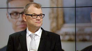 Juha Sipilä vierailee Ylen tv-uutisissa.