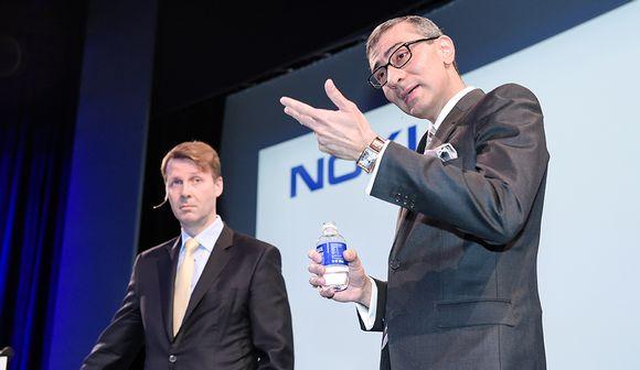 Nokian hallituksen puheenjohtaja Risto Siilasmaa ja yhtiön toimitusjohtaja Rajeev Suri puhuivat Alcatel-Lucent -kauppaa koskevassa lehdistötilaisuudessa Espoossa 17. huhtikuuta.
