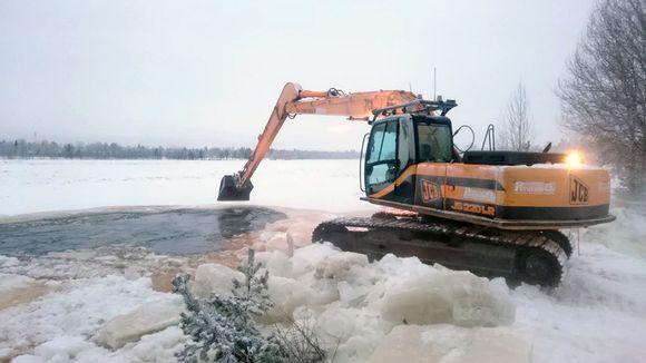 Video: Pudasjärven jääpato