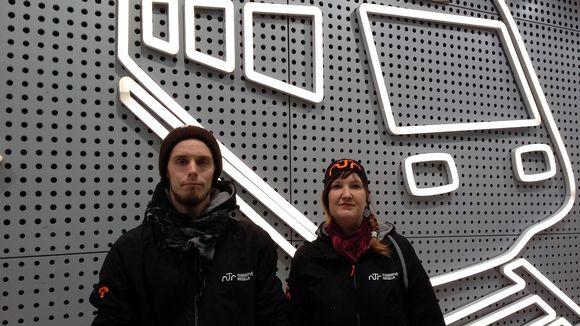 Nuorisotyöntekijät Sauli Taipale ja Niina Koski partioivat eilisiltana muun muassa Kehäradalla ja Helsinki-Vantaan lentokentällä. Nuorisotyön pitää mennä sinne, missä nuoretkin ovat.