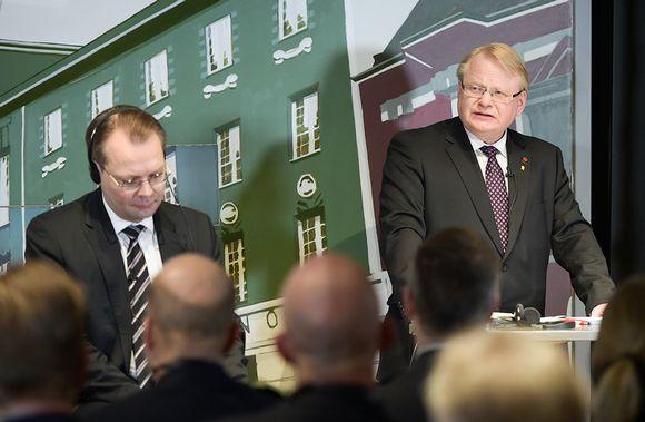 Jussi Niinistö ja Peter Hultqvist.
