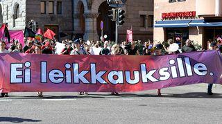 Joukkovoima hallituspolitiikkaa vastaan Suurmielenosoitus Helsingissä lauantaina 22. elokuuta.
