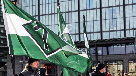 Vastarintaliike Helsingin Narinkkatorilla.