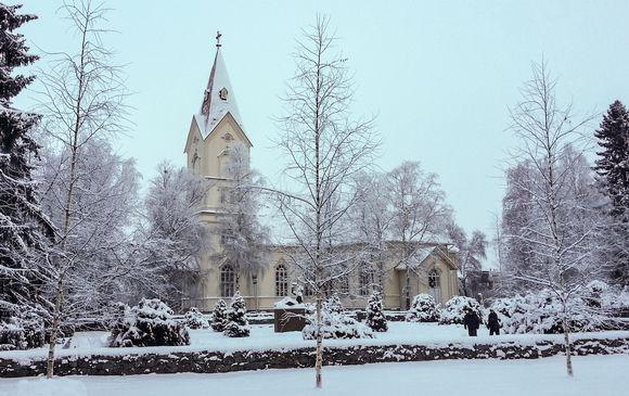 Video: Ylivieskan kirkko joulukuussa 2014.