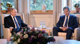 Venäjän presidentti Vladimir Putin (vas.) ja Suomen presidentti Sauli Niinistö (oik.)
