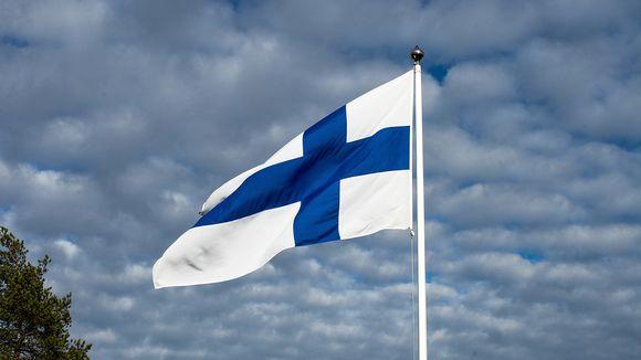 Suomen lippu.