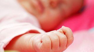 Vauvan käsi.