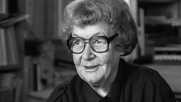 Taidegraafikko, professori Tuulikki Pietilä (1917 - 2009)