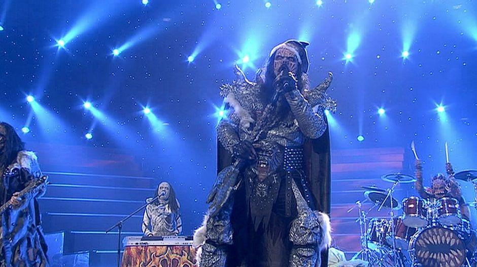 Lordi esiintymässä voiton varmistuttua Euroviisujen finaalin päätteeksi.