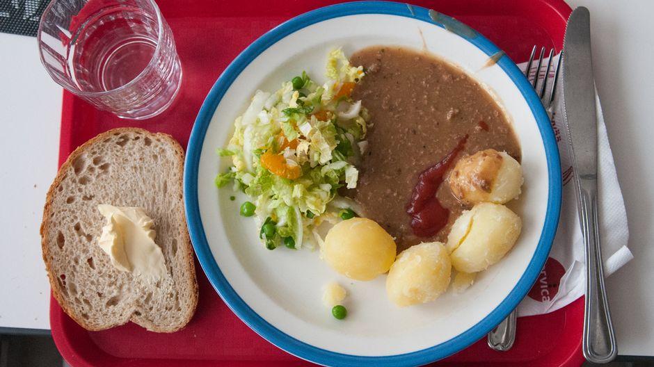 Расходы на школьное питание сильно варьируются в разных регионах страны   Yle Uutiset   yle.fi