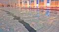 Uimareita Kivimaan uimahallissa Lahdessa.
