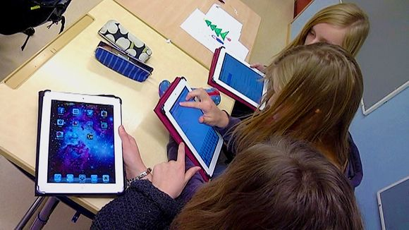 Video: tabletti sormitietokone iPad koulussa