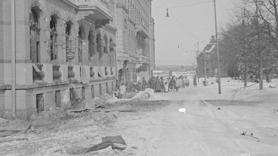 Talvisodan taistelut jättivät jälkensä myös Viipurin katukuvaan. Tältä Viipuri näytti 13.3. 1940.