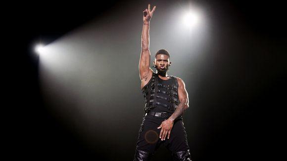 Usher esiintyy Hollannin Rotterdamissa.