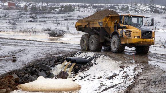 LKS 20121112 Talvivaaran kaivoksen Vuoksen suunnan varoaltaiden rakentaminen on käynnissä.