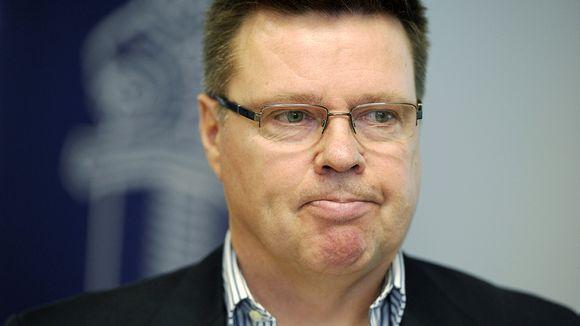 Rikosylikomisario Jari Aarnio Helsingin poliisilaitoksen tiedotustilaisuudessa 4. huhtikuuta 2012.