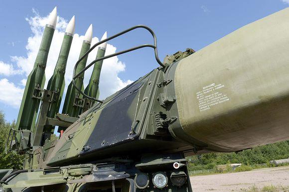 Video: BUK M1 -ilmatorjuntaohjusjärjestelmä esitteillä Puolustusvoimien Kansainvälisen Keskuksen alueella Tuusulassa 23. heinäkuuta 2014.
