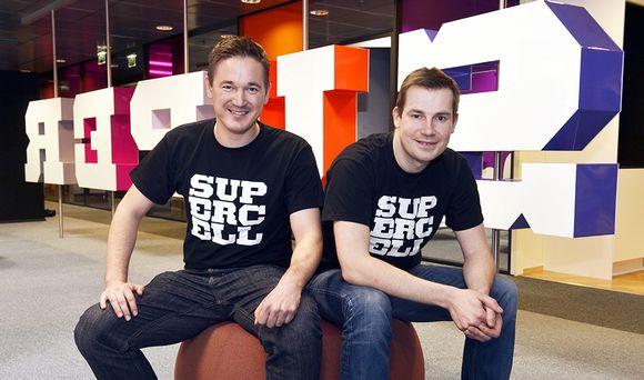 Suomalaisen peliyhtiön Supercell Oy:n toimitusjohtaja Ilkka Paananen ja luova johtaja Mikko Kodisoja.
