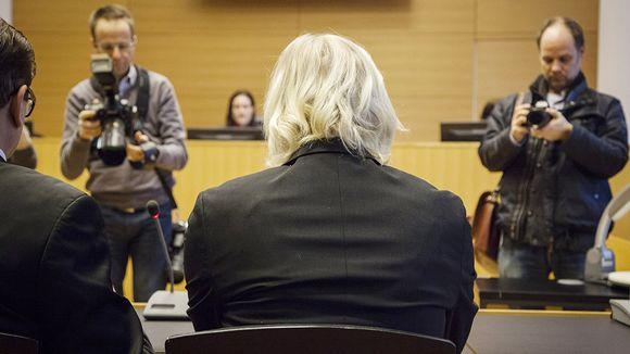 Laajasalon surmasta epäilty Helsingin käräjäoikeudessa.